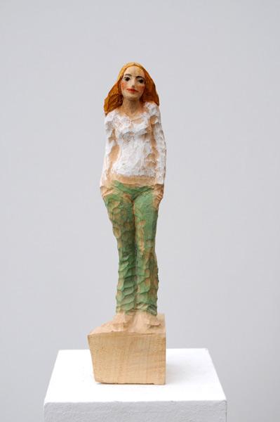 Grüne Hose, Linde, Pigment, 2008, 30 cm